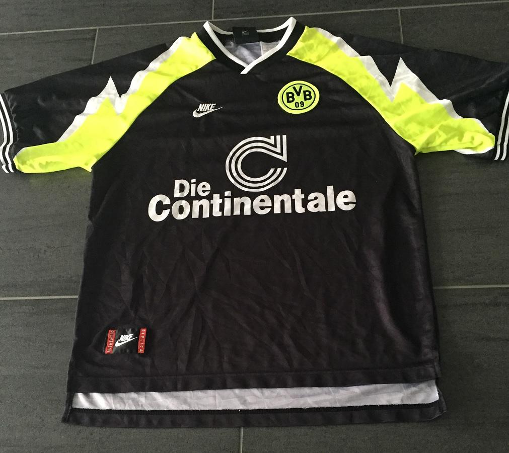 Borussia Dortmund Away 1995/96