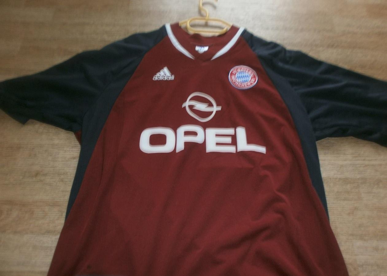 FC Bayern München Home 2001/02