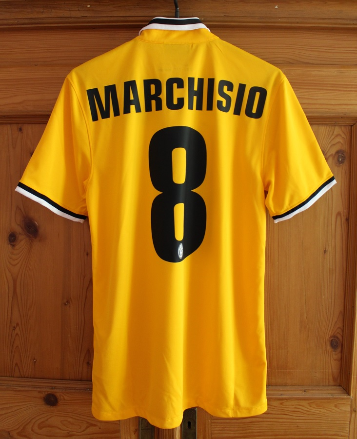 Juventus Turin Away 2013/14 Marchisio