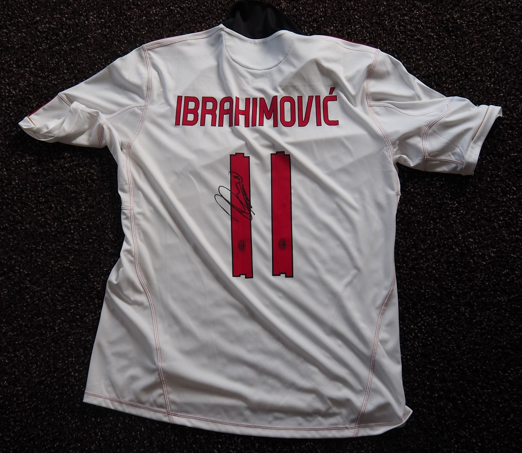 AC Milan Away 2010/11 Ibrahimovic Fanshop Signed